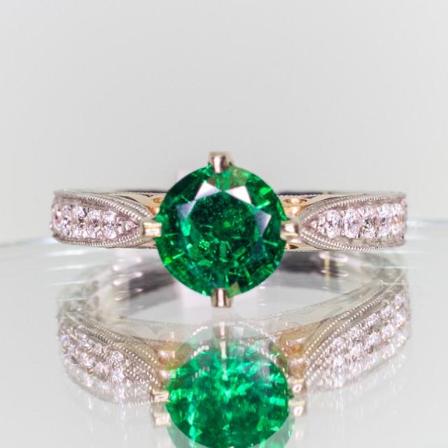 1.02ct Round Emerald Ring