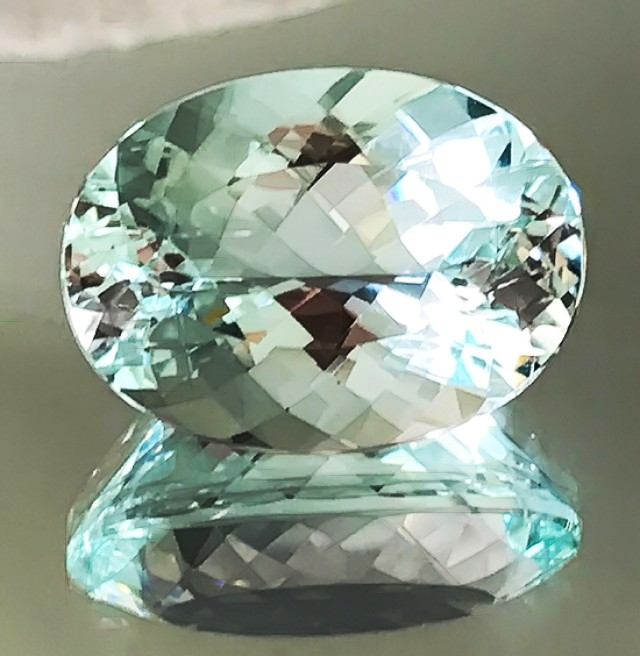 CERTIFIED 22.09CT AQUAMARINE SUPREME LUSTER & QUALITY