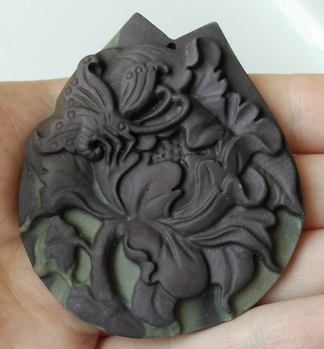 175.50ct Butterfly carved Jasper drilled pendant - Wonderful Cameo carving
