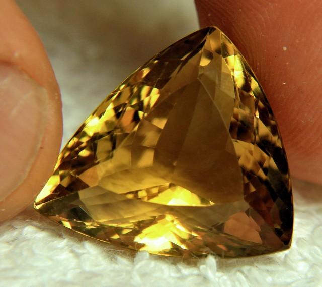 25.05 Carat VVS Trillion Cut Quartz - Gorgeous