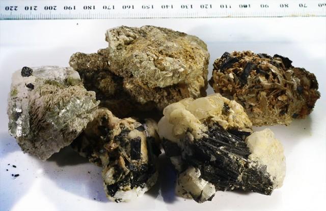 400g Tourmaline ,mica ,Shist specimen  PPP57