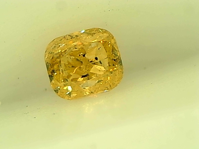 0.17cts Fancy Yewllowish Green Diamond , 100% Natural Untreated