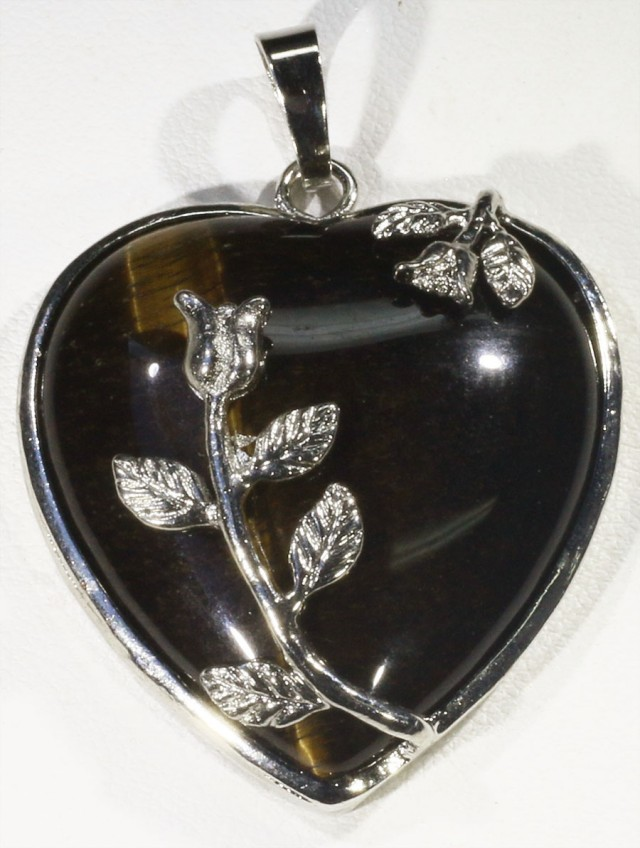 80cts Tigers eyes heart pendant PPP1203