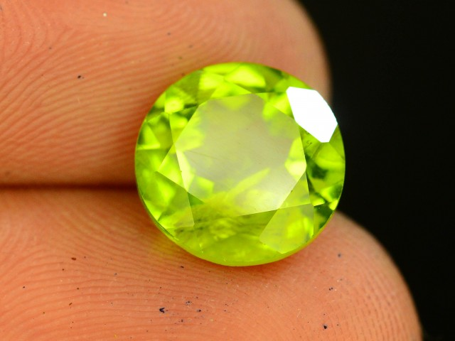 3.60 Ct Untreated Green Peridot