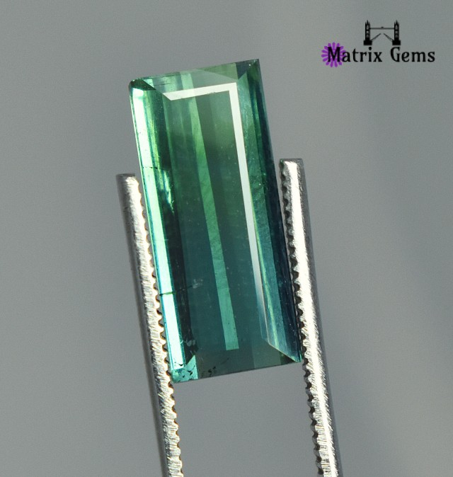 2.70 Carats Superb !!Tourmaline Bi-Color GemStone Specially for Rings