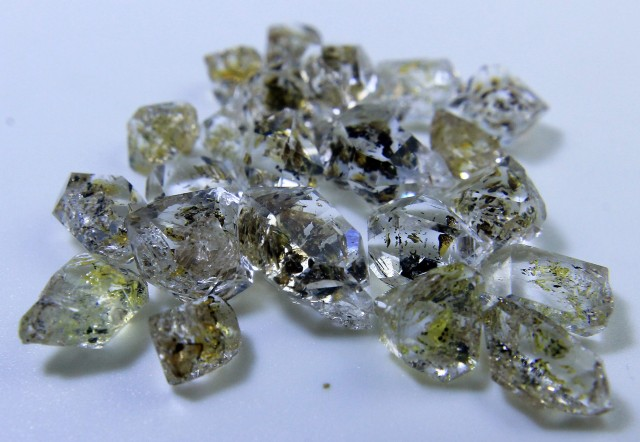 Rare Hydro Petrolium Diamond Quartz Lot From Pakistan Collector's Gem