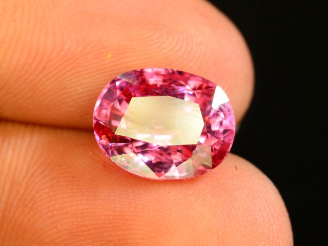 4.00 CT Untreated Sparkling Spinel~
