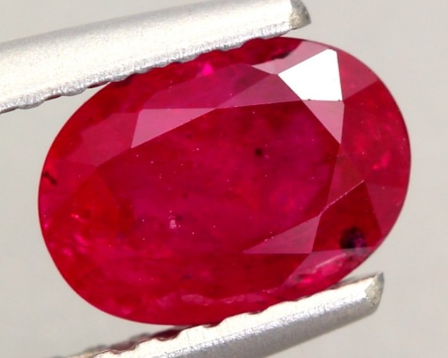 1.15ct Natural MOZAMBIQUE OVAL RED RUBY GEMSTONE (No Glass Filling)