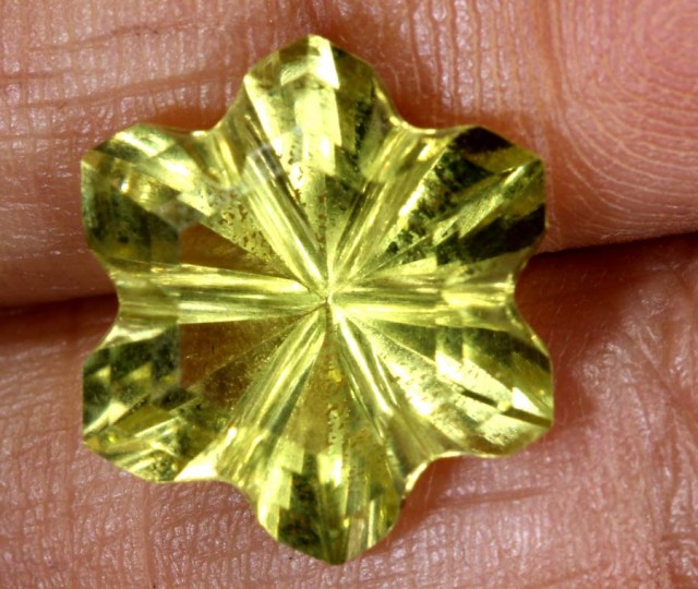 5.4CTS LEMON QUARTZ FLOWER CARVING LT-779