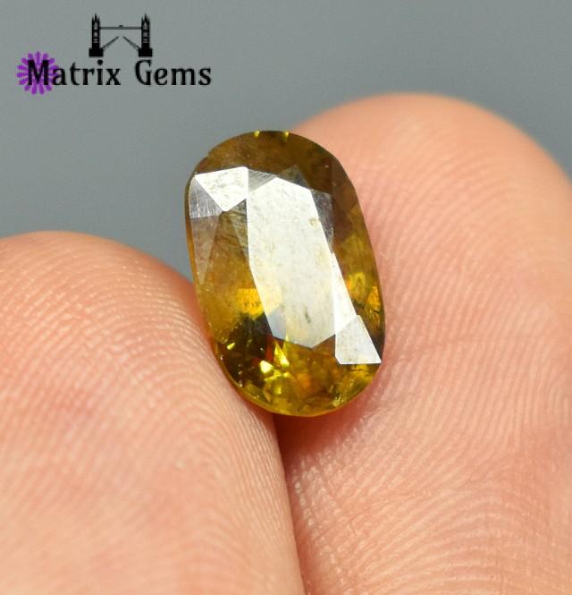 2.5 Carat VS2 Natural Sphene Gemstone For Rings