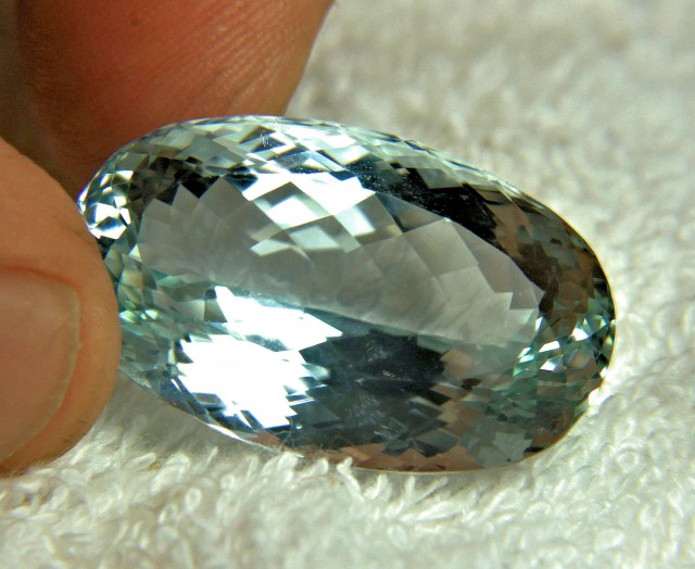 68.8 Carat Natural IF/VVS1 Himalayan Spodumene - Superb