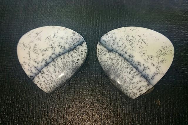 Dendritic Agate Pair 25mm Custom cut heart shape 32ct