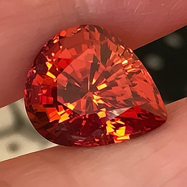 7.14ct Certified Orange Spessartite Garnet - Stunning VVS Jewel
