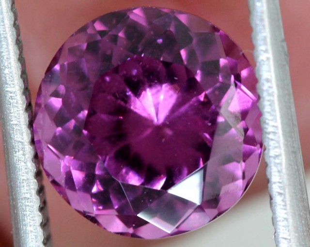 3.33 CTS AAA MAHENGE GARNET FACETED STONE PG-2117