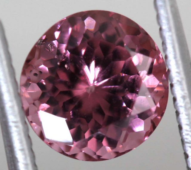 1.59 CTS AAA MAHENGE GARNET FACETED STONE PG-2121
