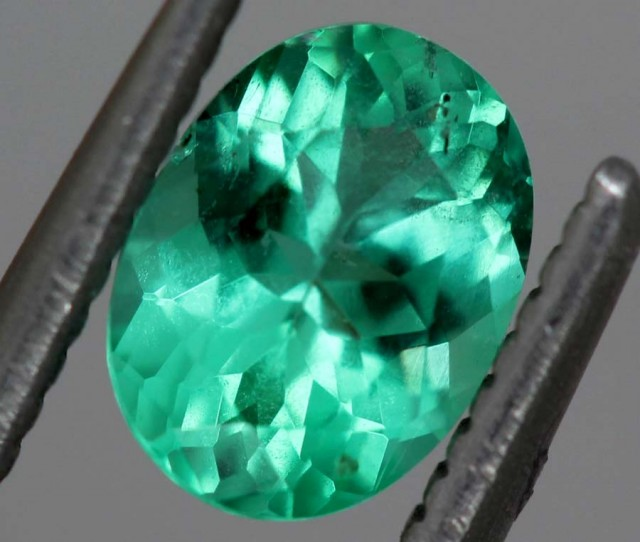 0 65 cts aaa natural green beryl gemstone pg 2132