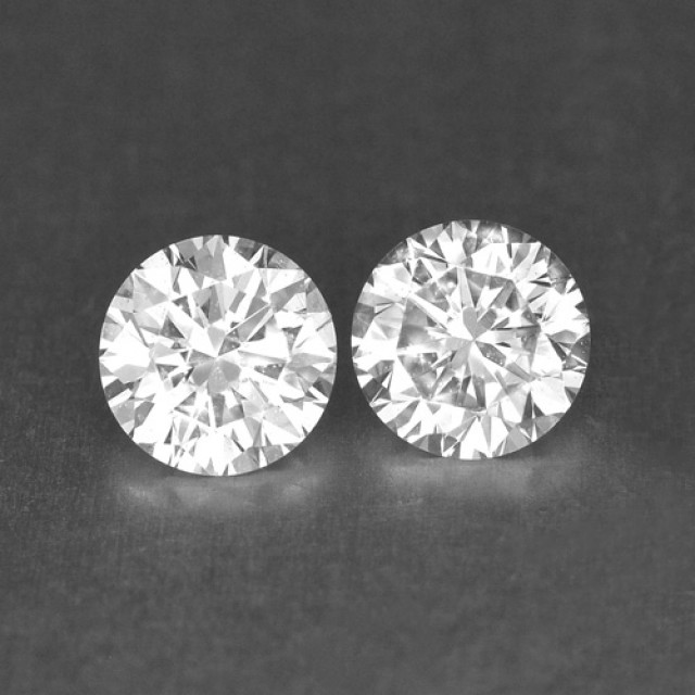 0.30 Cts Natural White Diamond Pair Africa