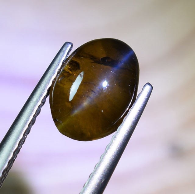 "UNTREATED Ceylon Chrysoberyl Catseye 2.55 Ct. "" Deep HONEY COLOUR&quot"