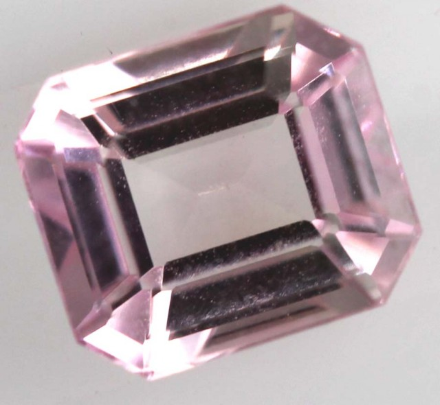 0.91CTS MAHENGE GARNET FACETED STONE PG-2148