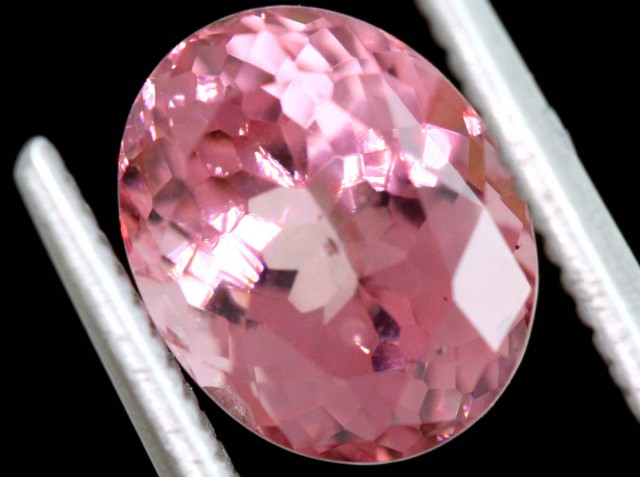 2.58CTS MAHENGE GARNET FACETED STONE PG-2152