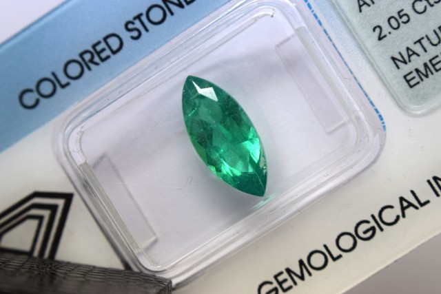 IGI Certified Emerald - 2.05Cts - Natural Colombian Emerald