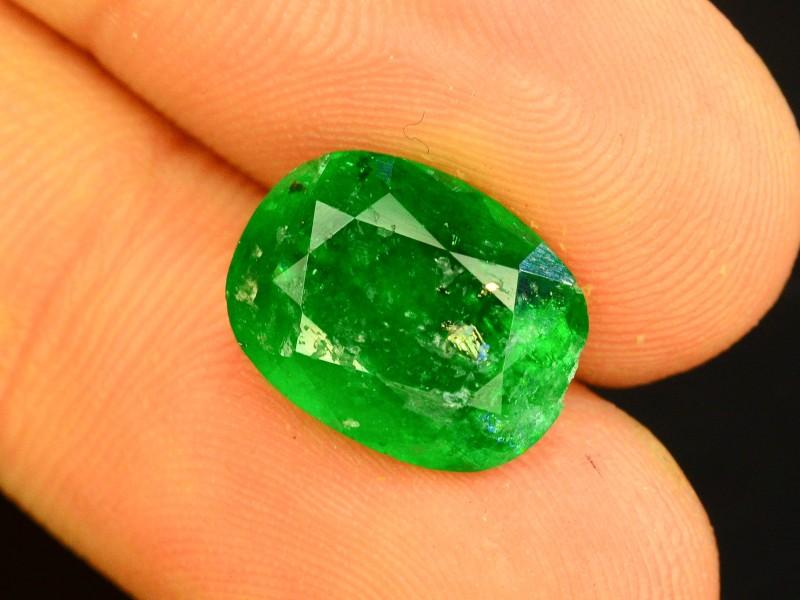 4.40 CT Untreated Vivid Green Emerald