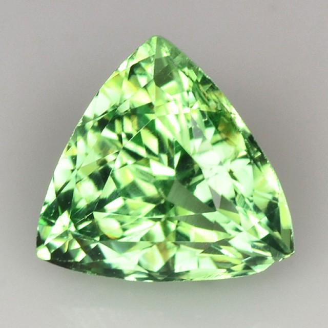 ~BEAUTIFUL~ 1.32 Cts Natural Green Grossular Garnet Trillion Russia