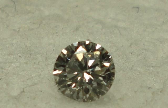 0.10 ct diamond F VS