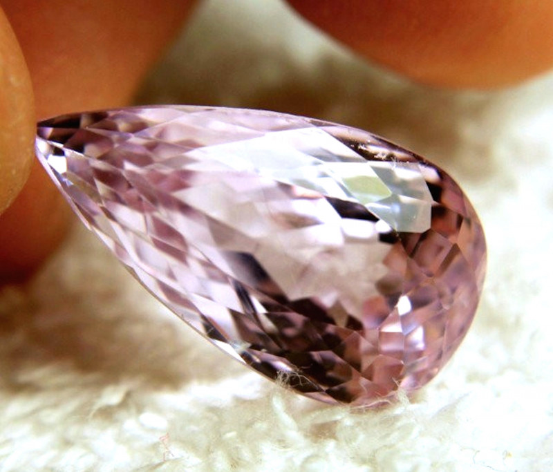 24.15 Carat Pink VVS Himalayan Kunzite - Gorgeous