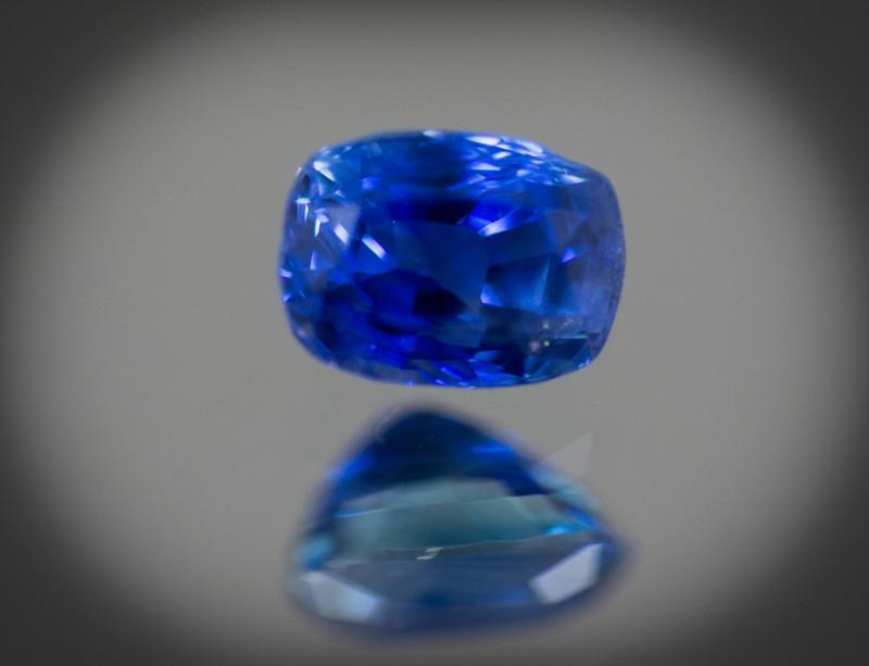CGJ Sapphire 6 x 4 mm  0.93 ct Sri Lanka GPC Lab
