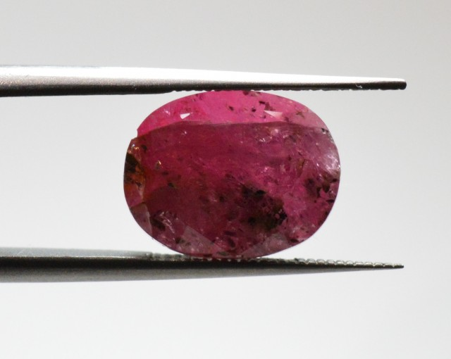 Natural Ruby - 5,75 ct - gemstone