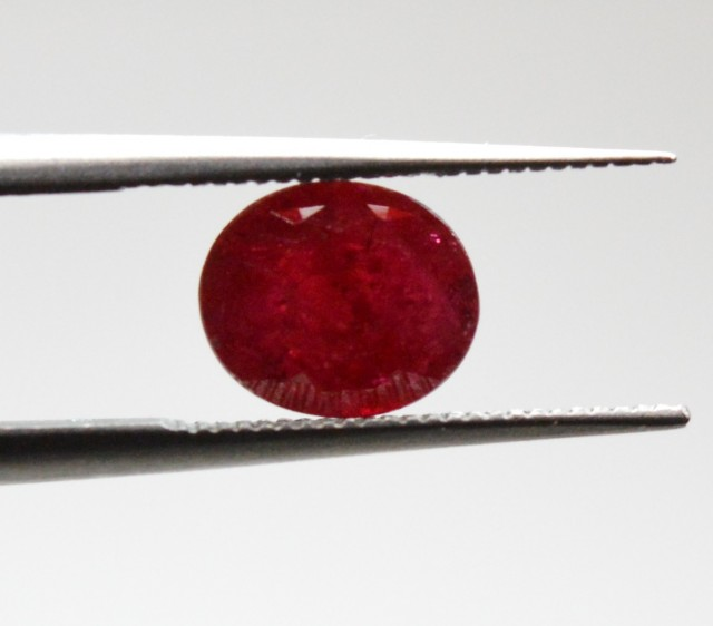 Natural Ruby - 1,22 ct - gemstone