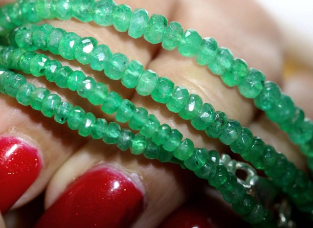 44CTS-16 INCH  EMERALD BEADS STRAND PG-2171