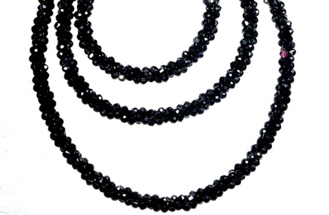 43CTS BLACK SPINEL BEADS STRAND PG-2162