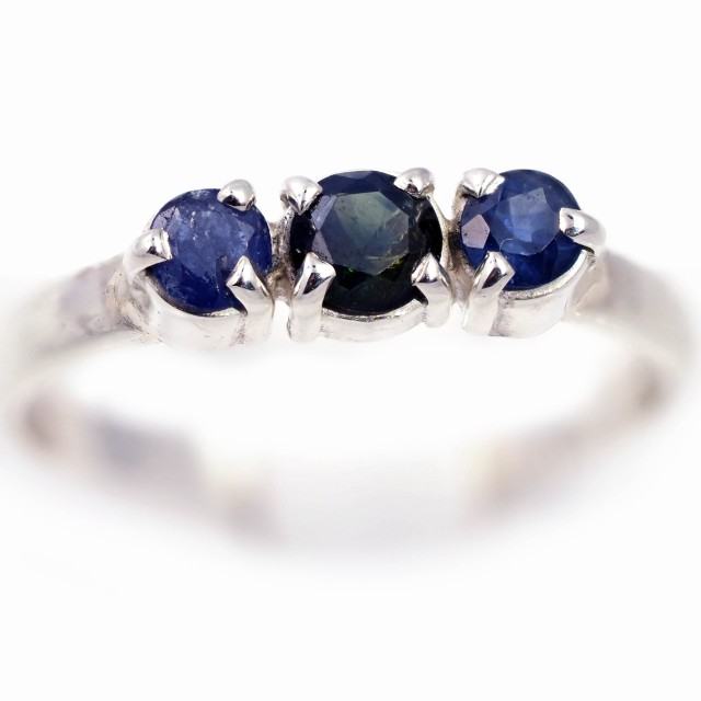 SIZE 8 NATURAL BLUE AUSTRALIAN SAPPHIRES SET IN SILVER RING [SJ4529]