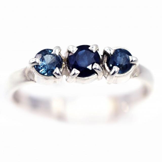 SIZE 7 BLUE AUSTRALIAN SAPPHIRES SET IN SILVER RING [SJ4546]