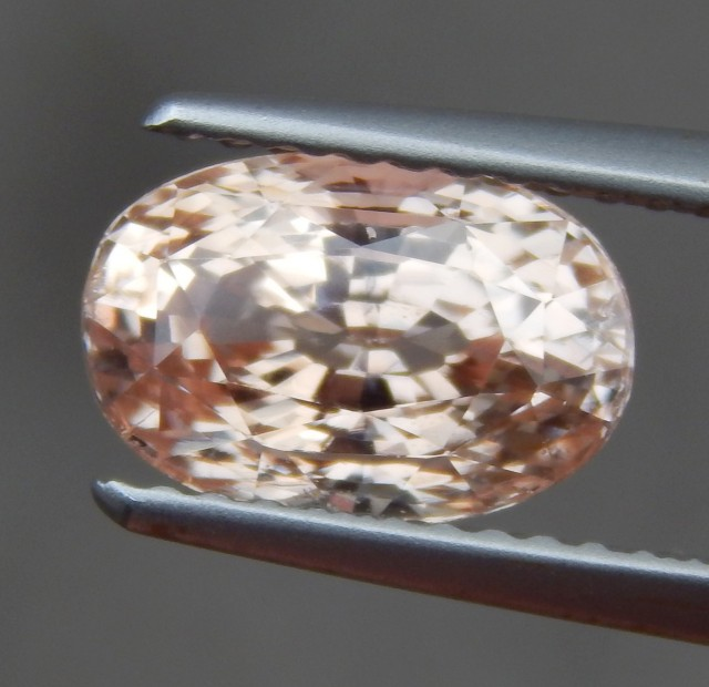 2.62cts, Peach Sapphire,  Lotus Certified,  No Heat, VVS1