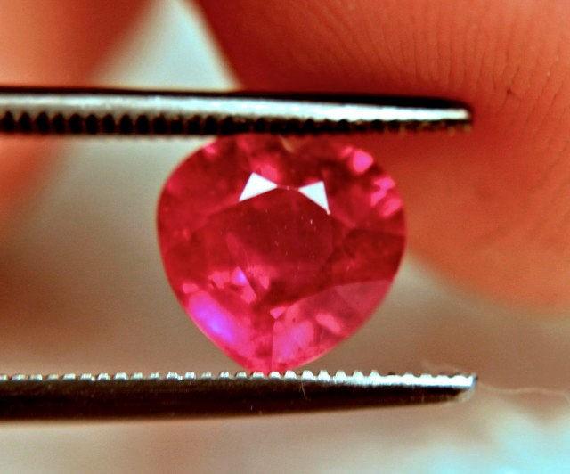 2.32 Carat VS Ruby Heart - Gorgeous