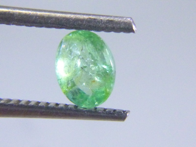 0.80cts Colombian Emerald , 100% Natural Gemstone