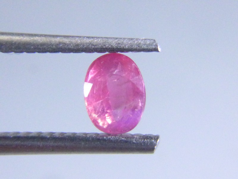 0.68cts Natural Ruby , Untreated Gemstone