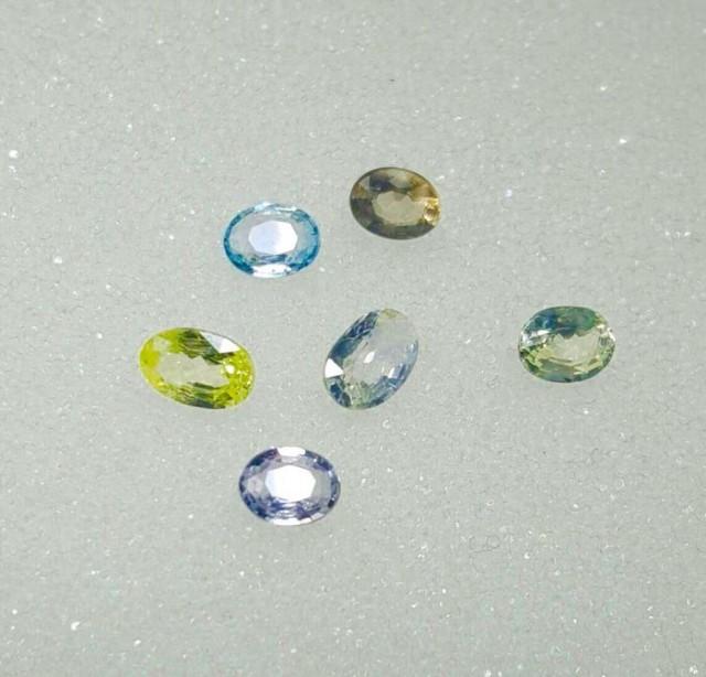 6 Natural colour sapphires