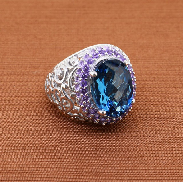 Striking London Blue Topaz & Amethyst 925 Sterling Silver Ring Size - 6