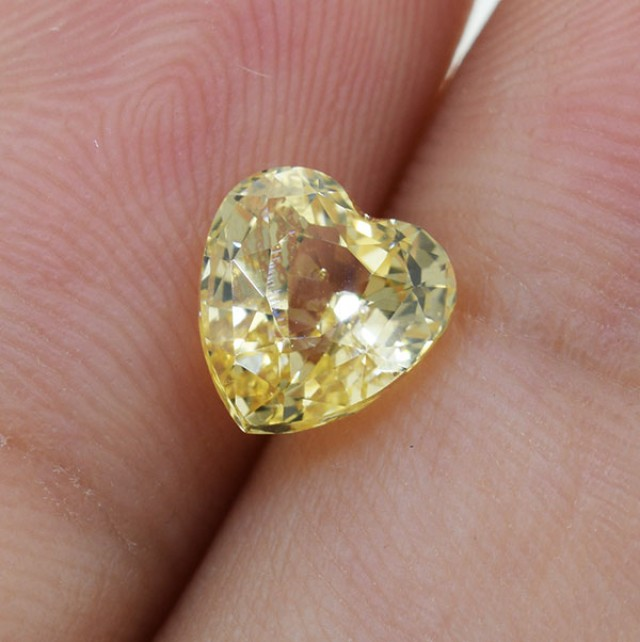 Unheated Certified Yellow Sapphire 1.59 Ct Amazing Gemstone Heart Cut , Awe