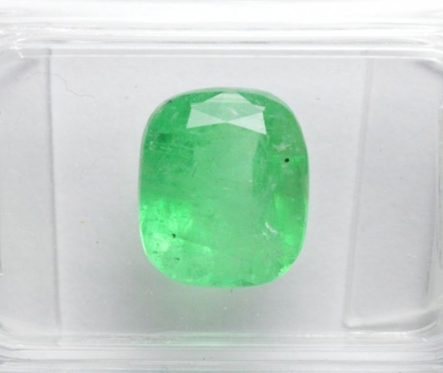Natural Emerald - 2,42 ct - IGI Certified