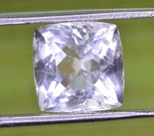 5.40 Carats natural Pollucite Gemstone