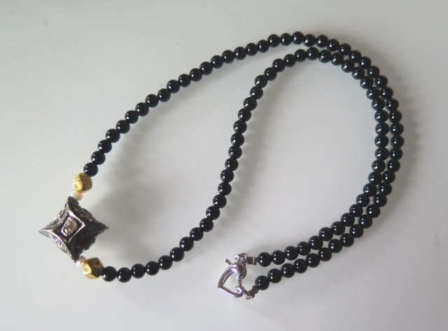 NICE ONYX NECKLACE WITH NATURAL DIAMOND PENDENT