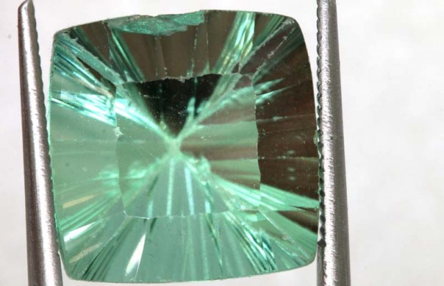 13.00CTS LIGHT GREEN FLUORITE FACETED STONE PG-2314