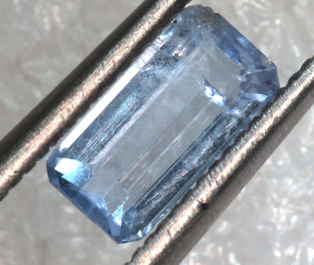 0.65CTS HACKMANITE SODALITE FACETED AFGHANISTAN STONE TBM-1372