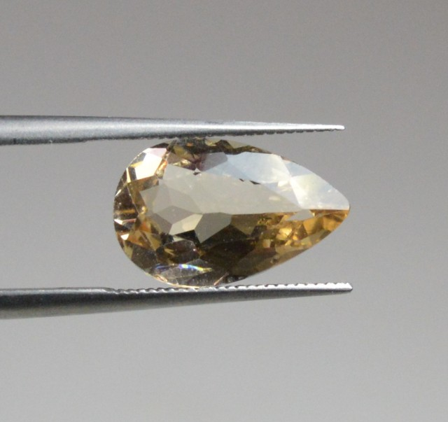 Natural Morganite - 2,1 carat - PGTL certified