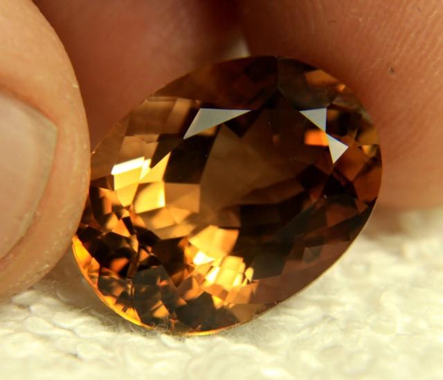 24.10 Carat IF/VVS1 Golden Brazil Topaz - Gorgeous